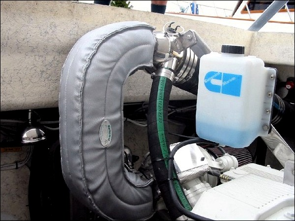 "Cummins QSC 490 with V-drive, starboard side - 4"" dry to 6"" mixer"